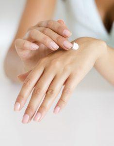 تبيض اليدين