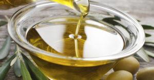 استخدام زيت الزيتون في علاج تسلخات الاطفا