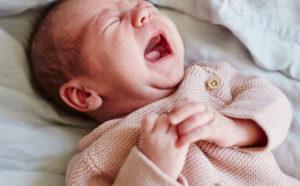 التهاب الحلق عند الرضع شهرين